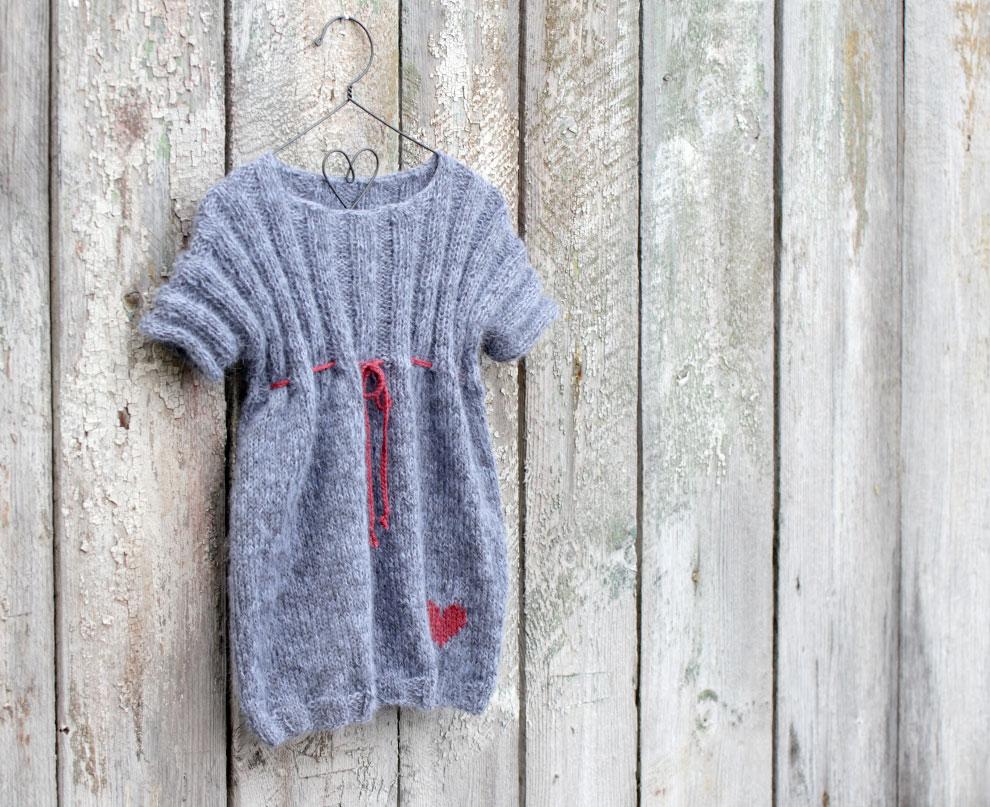 Nytt mønster! - Himmelblå kjole - 08 - 2014 - Design by ...